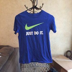 Nike Boys Tshirt Size Large